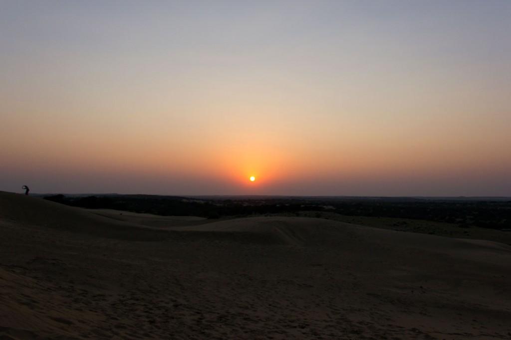 Deserto ao redor do Vilarejo Khuri, Índia