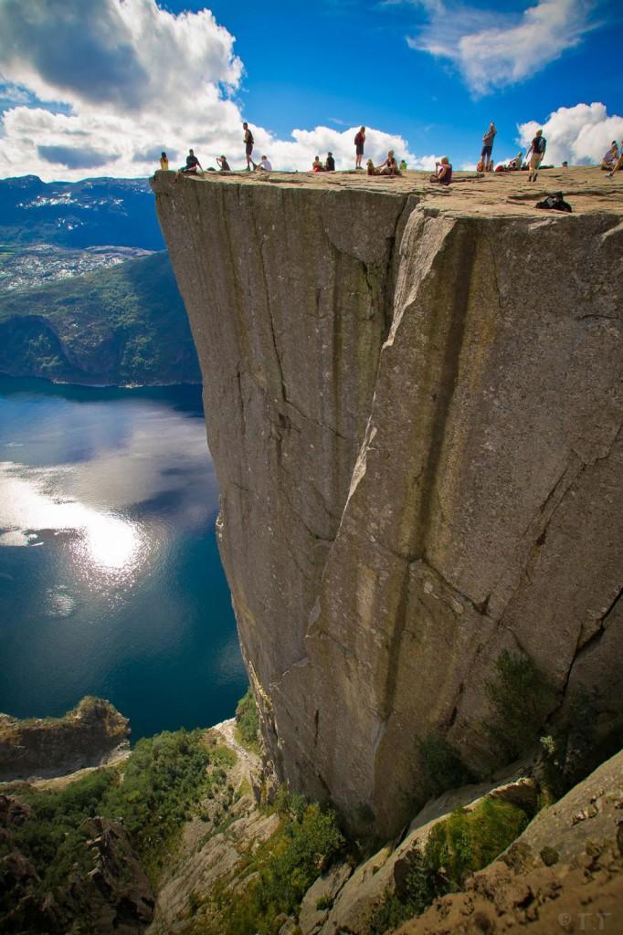 Falésia Preikestolen .Foto: boomsbeat.com