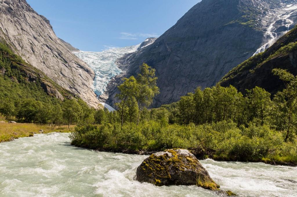 Briksdalen Glacier em Olden