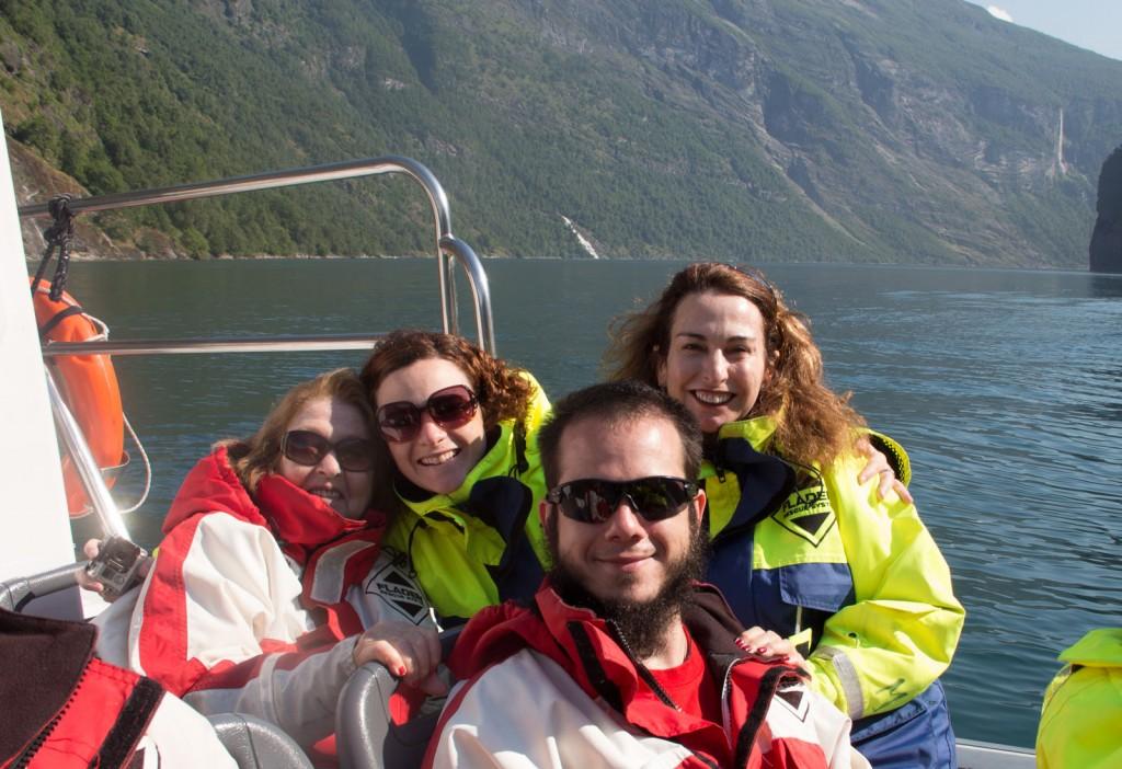 Passeio de Speed Boat entre os fiordes de Geiranger