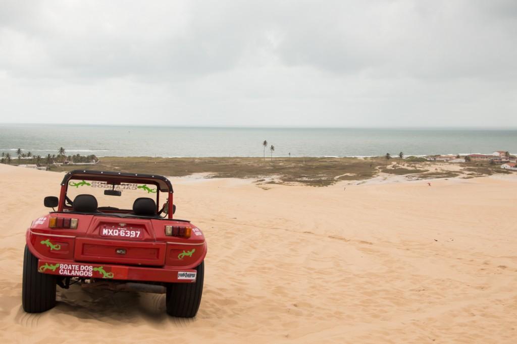 Buggy com vista para a praia de Genipabu