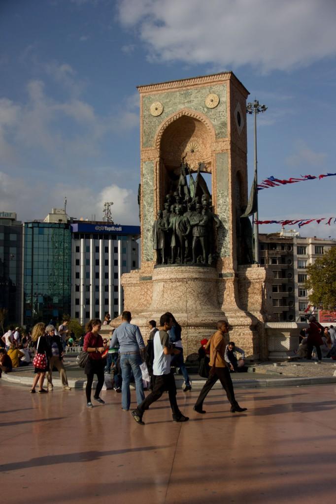 Monumento na Praça Taksim