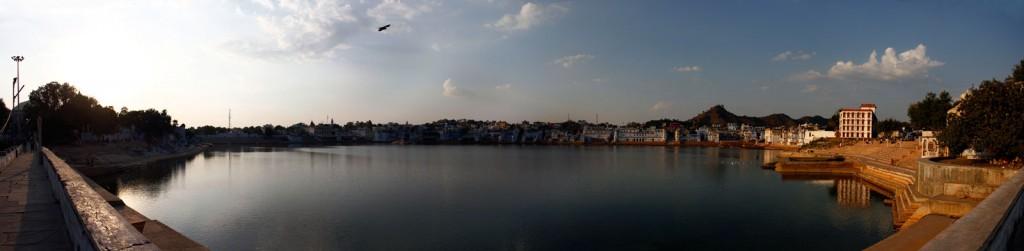 Panorâmica do lago sagrado de Pushkar