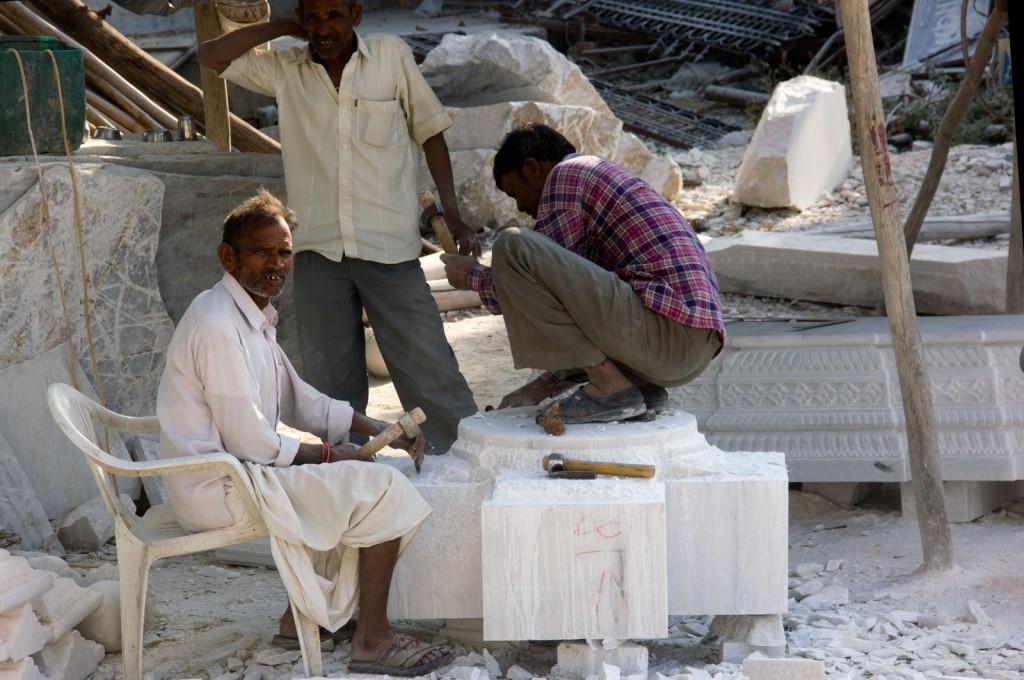 Desbastando o bloco de mármore
