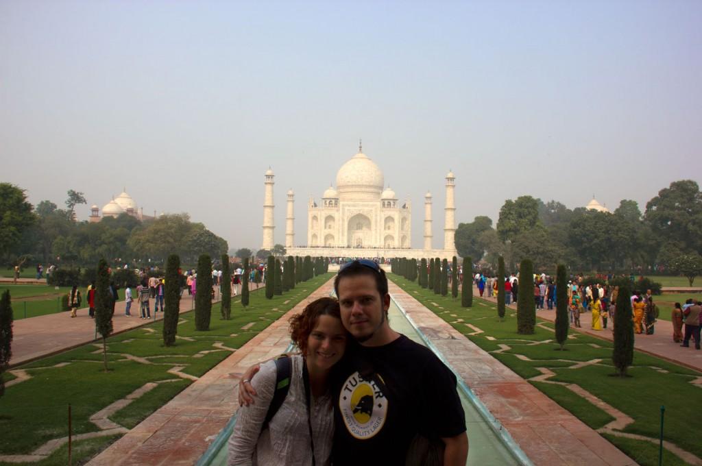 Kris e Igor no Taj Mahal