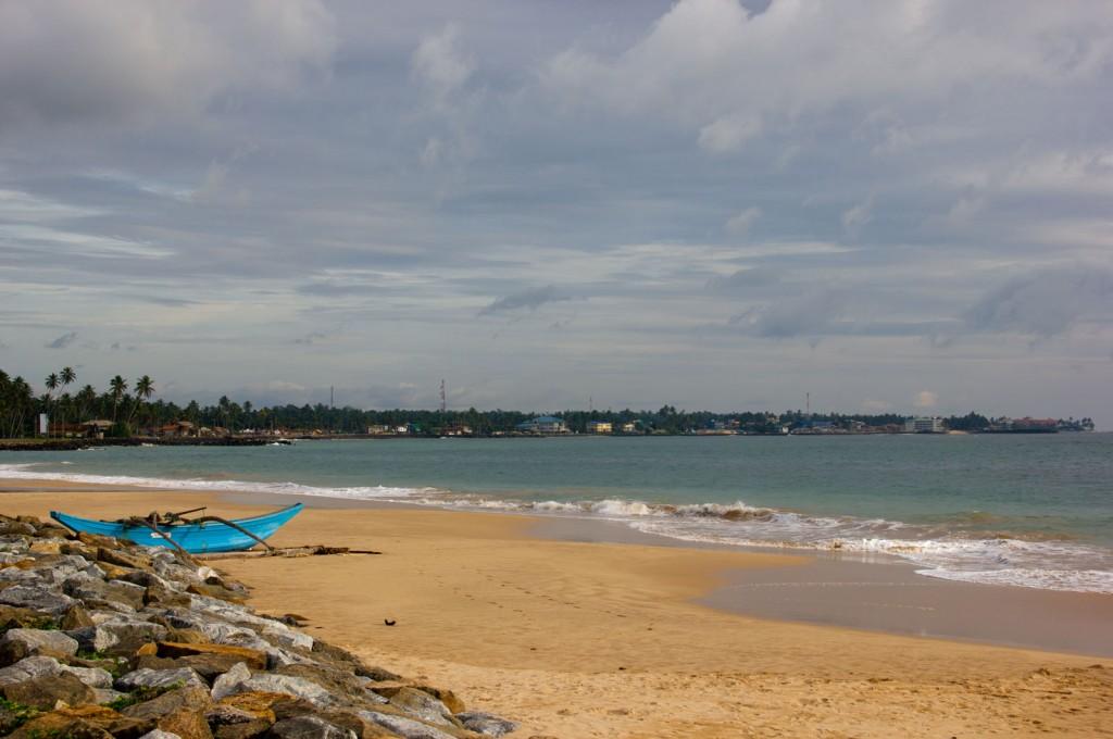 Praia de Hikkadwua