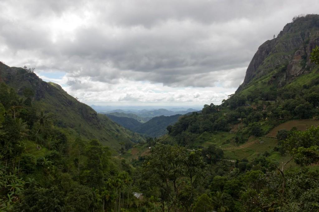 Ella´s Gap, a vista do vale das montranhas da pequena cidade Ella