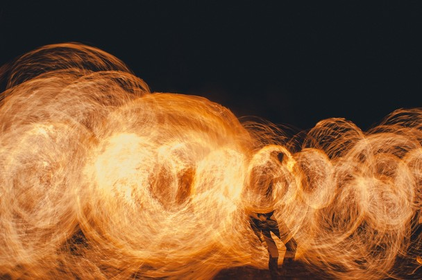 Fire show at Kho Phi Phi. Foto William Kerdoncuff