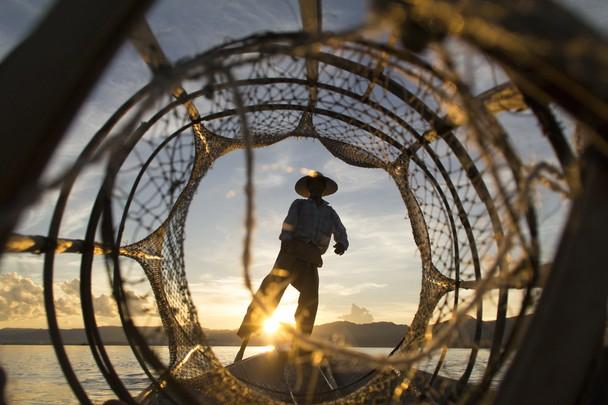 Intha fisherman on Inle lake. Foto Nicolas Bages