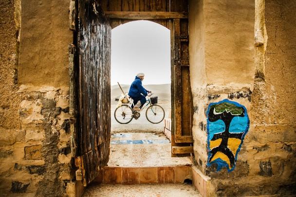 Cycling in Morrocco. Foto Hielke Gerritse