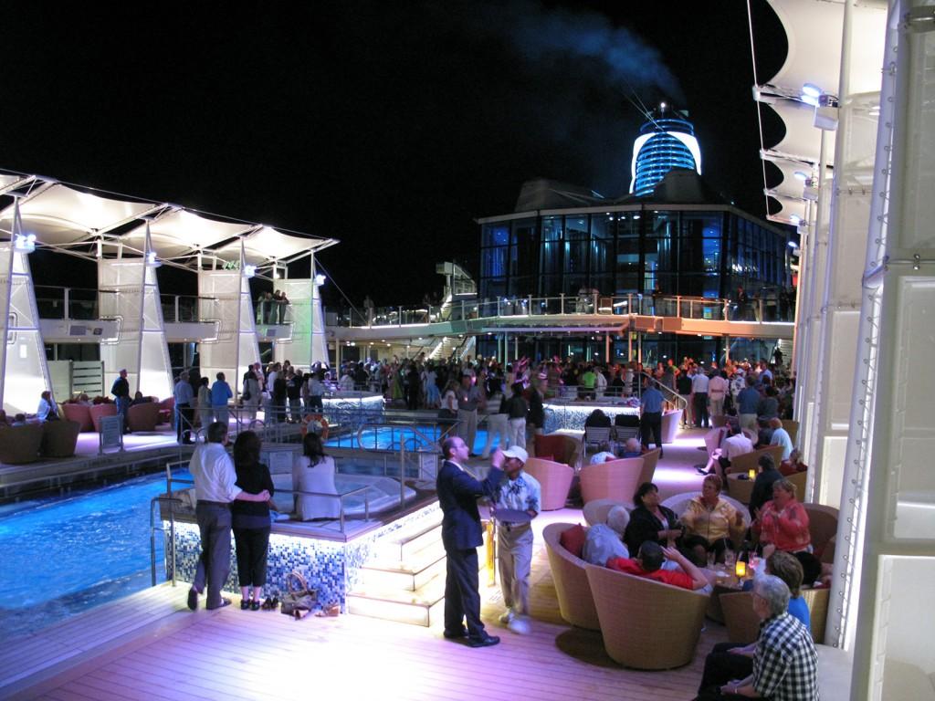 Noite no cruzeiro Celebrity Cruise